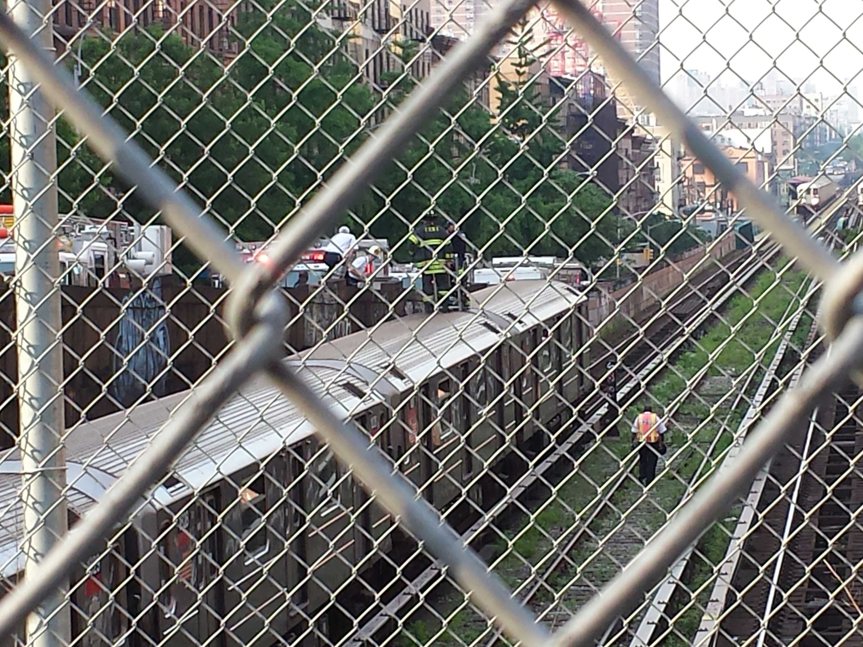 A 1 line train derailed in New York, New York, on May 29, 2013. (Steve Silva)